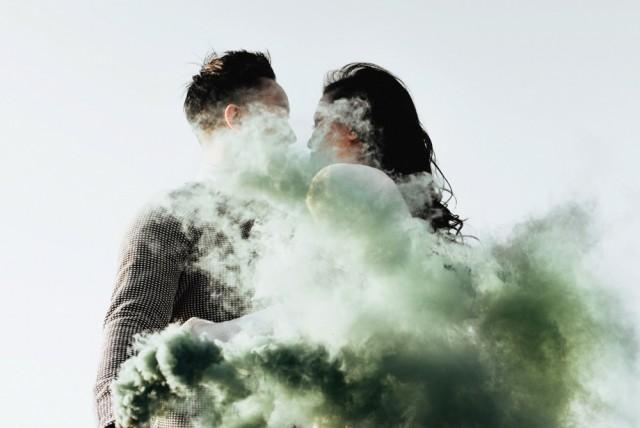 jojopangilinan.com,smoke bomb engagement session, dallas, texas, destination wedding photographer, loveframes